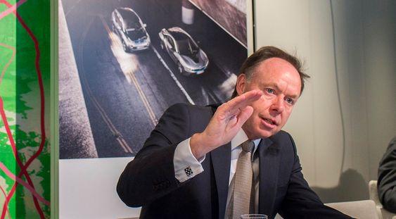 Glad i strøm: Ian Robertson er globalt ansvarlig for salg og markedsføring og styremedlem i BMW-gruppen og var i Norge for å vise den nye superspotsbilen i8.