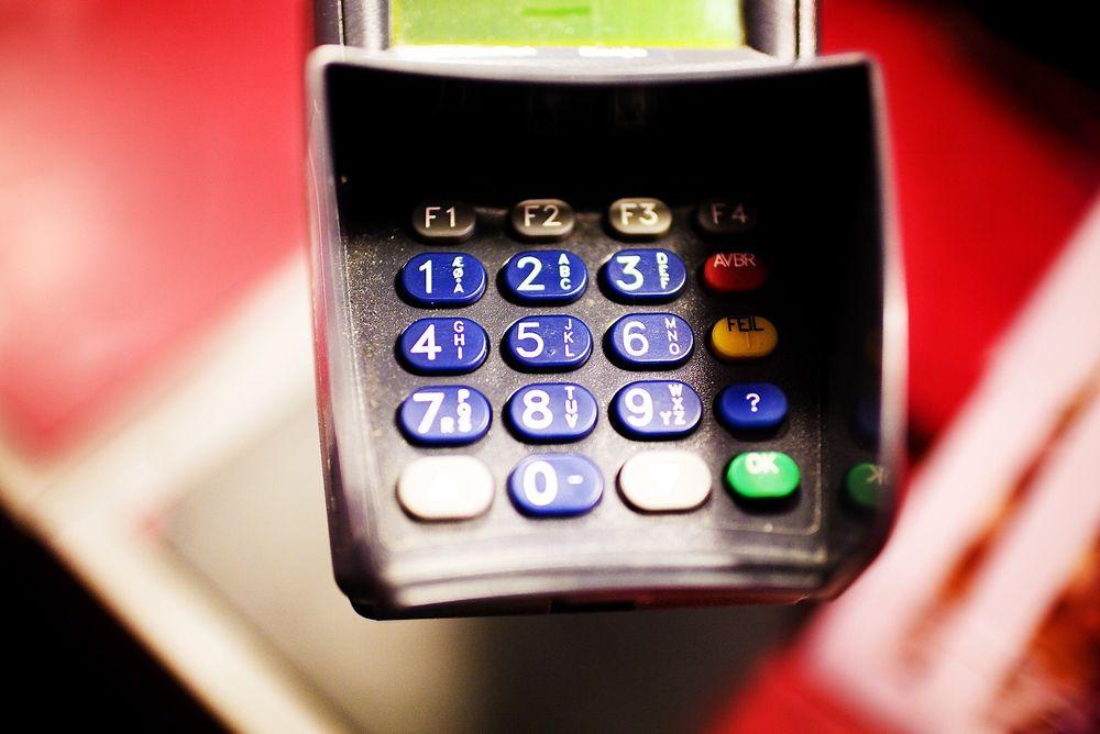Ifølge en tidligere dansk Nets-ansatt har alle i kundeservice adgang til danske kunders kortopplysninger, og misbruk av disse opplysningene var vanlig.
