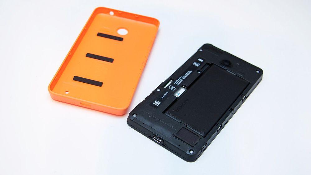 Et nytt separatormateriale kan gjøre fremtidens mobilbatterier sikrere og mindre, ifølge forskere ved universitetet i Michigan.