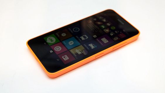 Nokia Lumia 630 er den første telefonen med Windows Phone 8.1.