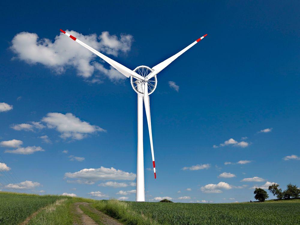 Verdens største: Sway Turbine, her illustrert på land, ble opprinnelig lansert som et kvantesprang innen vindkraft til havs. Verdens største havvindturbin skulle tilpasses Sways flytetårn til bruk på flere hundre meters dyp. Den nye innovative generatorløsningen skulle gi lavere vekt og reduserte materialkostnader – på papiret. ill.: Jan Rambousek