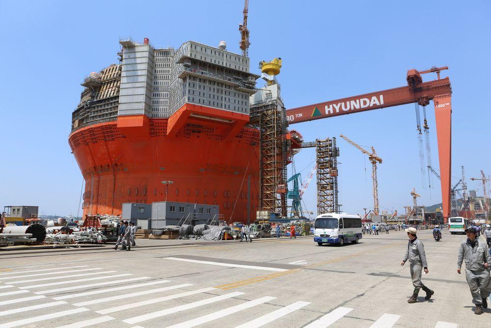 Goliat FPSO ved Hyundai Heavy Industries i Ulsan. Her blir den liggende til ut i 2015.