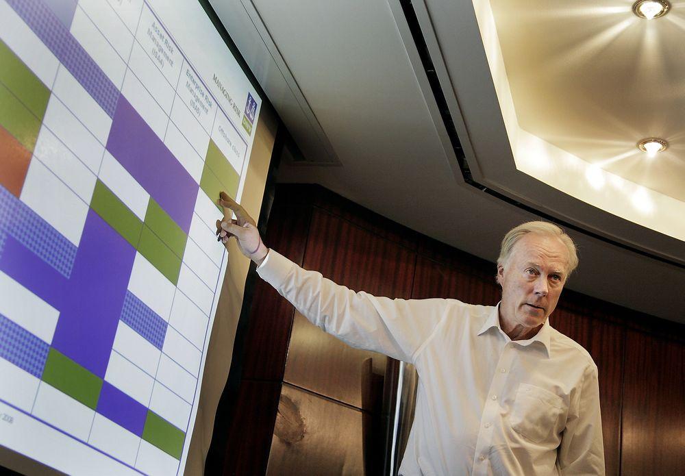 Carl Arne Carlsen ble i Houston, under oljekonferansen OTC, tildelt pris for sitt enestående og livslange arbeid for sikker og lønnsom drift offshore.