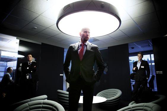 Olje- og energiminister Tord Lien på omvisning hos Kongsberg Maritime. Foto: Eirik Helland Urke
