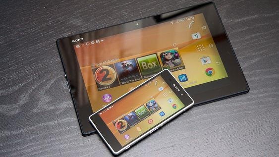Med skjermspeiling kan du vise skjermbildet på et nettbrett, og dessuten bruke mobilen fra nettbrettet.