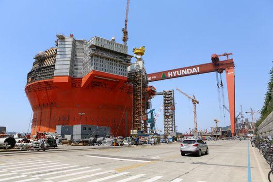 Hyundai Heavy Industries offshoreverft i Ulsan, Sør-Korea. Goliat FPSO står i H-dokken.