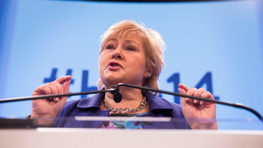 Statsminister Erna Solberg og regjeringen vil øke bevilgningene til Klimafondet.