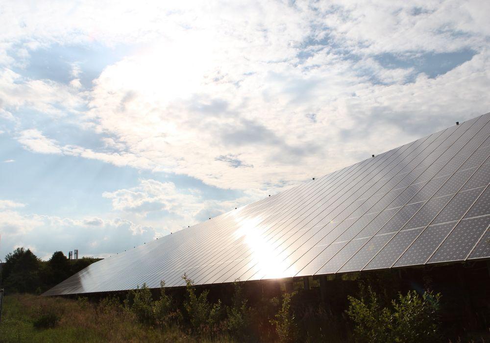 Avgiften tyske husholdninger må betale for fornybar energi er seksdoblet på fem år. En lovendring skal få kostnadene ved fornybarsatsingen under kontroll.