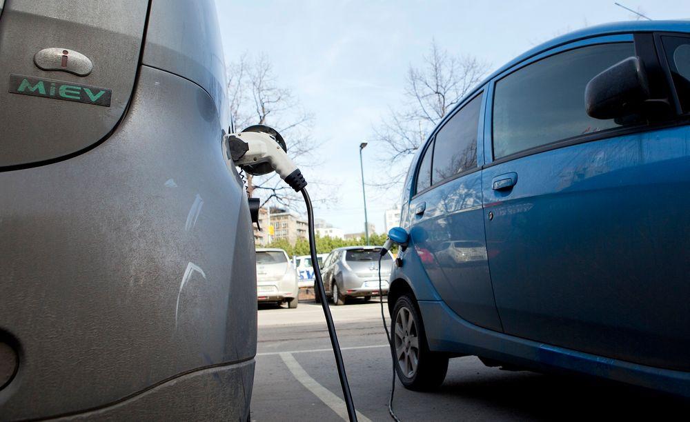 Økonomi er viktigere enn rene miljøhensyn for elbilkjøperne, viser en undersøkelse fra Norsk Elbilforening.