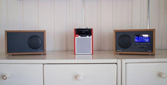 Dyrt og billig: Både Tivoli Albergo+ og Pinell Go kan by på god lyd. Pinellen er med opptil 40 timer batterilevetid en ypperlig radio for de som flytter på seg. Albergoen har til gjengjeld Bluetooth og gjør tjeneste som strømmeradio. Med en ekstra stereoslave blir lydopplevelsen mye bedre.