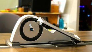 Dette apparatet gir deg mosjon mens du sitter