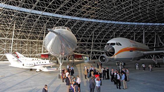 Fire av de fem flyene som hittil er plassert i den nybygde Aeroscopia-hangaren: Corvette (f.v), Falcon, Concorde og A300.