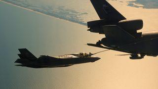 Nå skal F-35 fly over Atlanteren for første gang