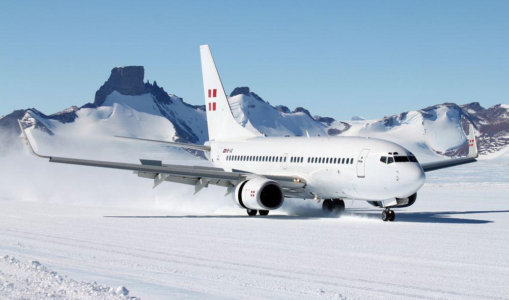 Flere rekorder: Det er denne B737-700 BBJ-maskinen som nå skal males om i SAS-farger og deretter fly ruta Stavanger-Houston. Dette bildet er tatt da flyet som første B737 landet i Antarktis 28. november 2012. Flyet var chartret av Norsk polarinstitutt for å fly inn til Troll-stasjonen fra Cape town.