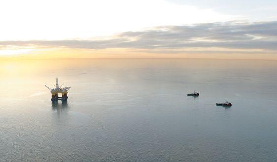 Tospann: Med en trekkraft på 300 tonn hver, kan to SX157 slepe en stor rigg over lange avstander. Fartøyene har drivstoffkapasitet til å trekke for full kraft i 45 dager