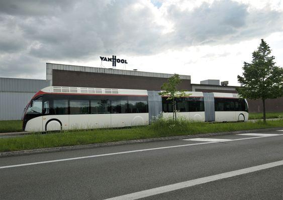 Byggingen av den første hybridbussen til Bergen startet hos Van Hool i Belgia i vinter og den skal være ferdig i løpet av våren.