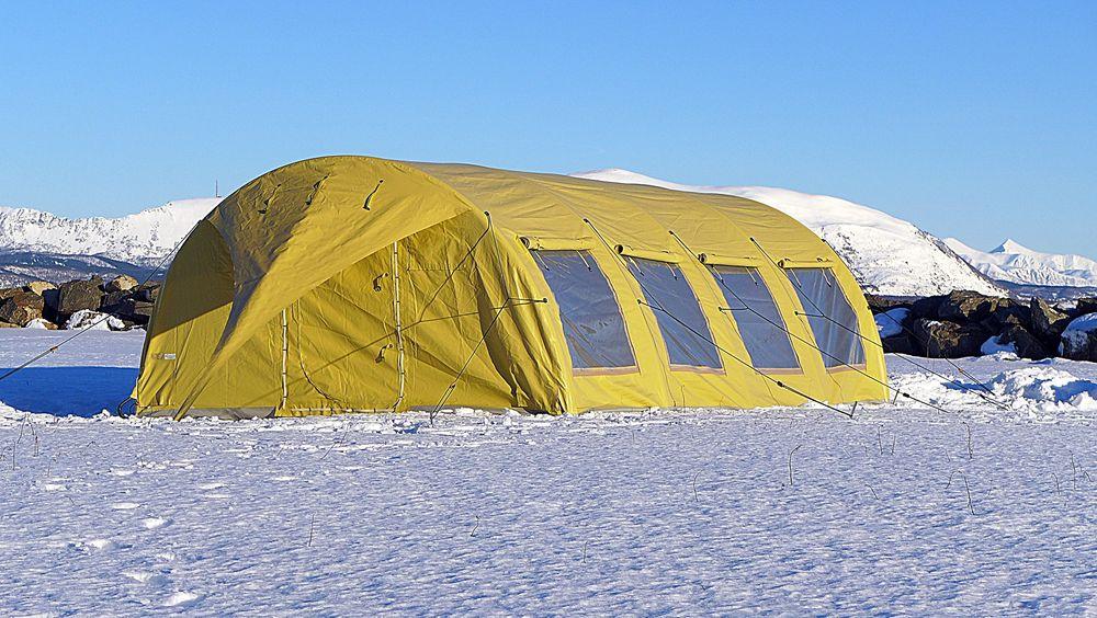Over til telt: Norlense har kunder som Forsvaret, Sivilforsvaret og Røde Kors som bruker teltene til alt fra innkvartering, kommandosenter, feltsykehus til kommunikasjonssenter.