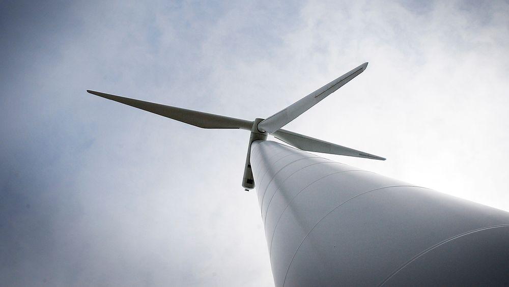 I år må kraftleverandørene kjøpe elsertifikater for 6,9 prosent av kraftforbruket, mot 4,9 prosent i fjor.
