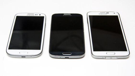 Tre generasjoner Galaxy, fra venstre S3, S4 og S5.