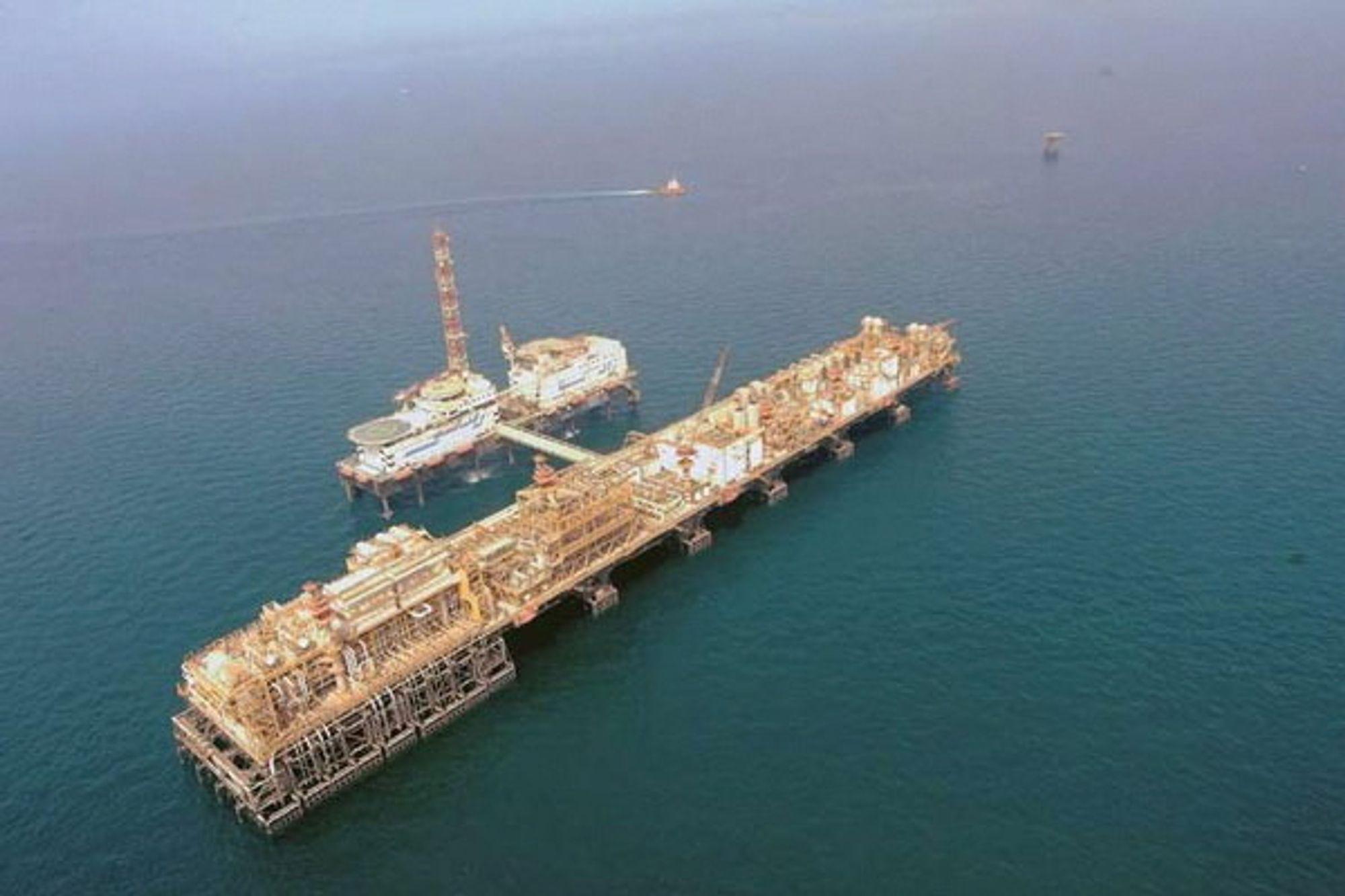 STORT: Upper Zakum i De forente arabiske emirater er verdens nest største offshore oljefelt med sine 21 milliarder utvinnbare fat olje.