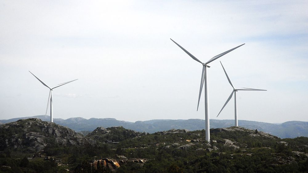 Regjeringen lover gunstigere avskrivningsregler for vindkraft.