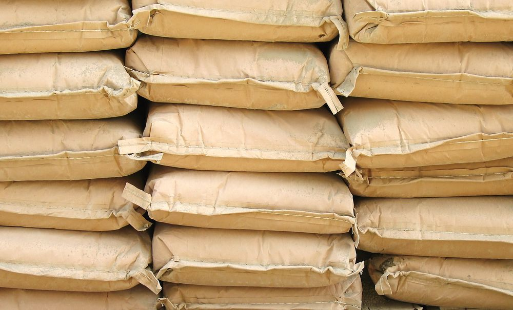 Verdens to største produsenter av sement, franske Lafarge og sveitsiske Holcim, ønsker å slå seg sammen.