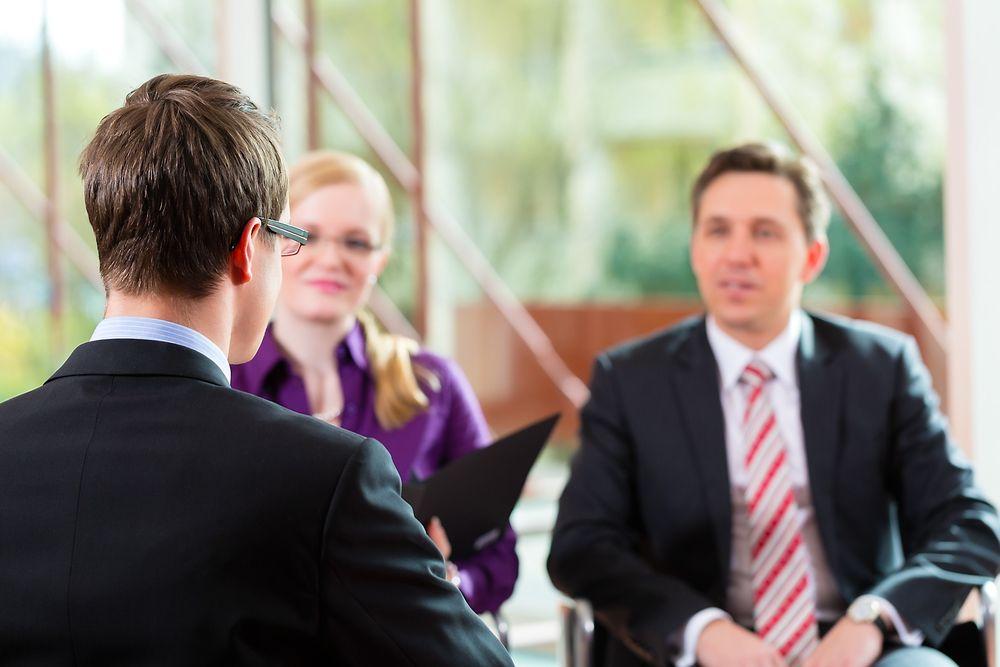 Ved å være utydelig, både når det gjelder mål og sprikende kommunikasjon, skaper man mye usikkerhet og utrygghet på arbeidsplassen.