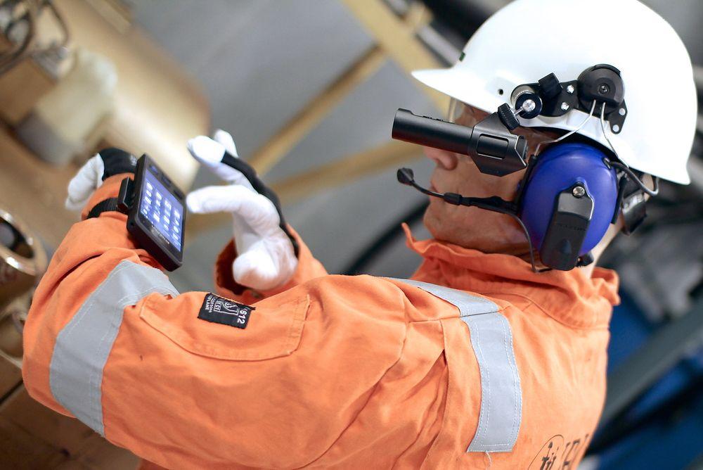Her ser du den prisvinnende Impact X-mobilen i bruk med hjelmkameraet Orbit X som begge er utviklet av det norske selskapet Bartec Pixavi.