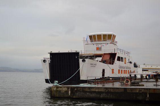 Port of Glasgow: MV Hallaig under bygging. Skipet ble levert i 2013 til Caledonian Maritime Assets Limited. Fergen er 43, 2 meter lang og 12,2 meter bred.