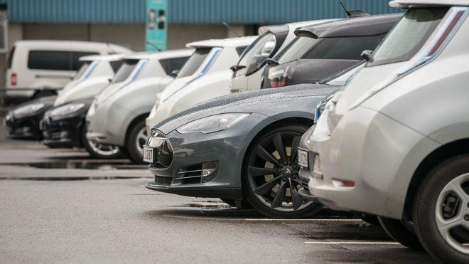 Solvik-Olsen vil ikke frede elbil-fordelene til 2017