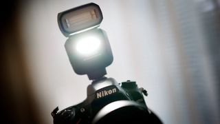 Nikon frir til entusiastene
