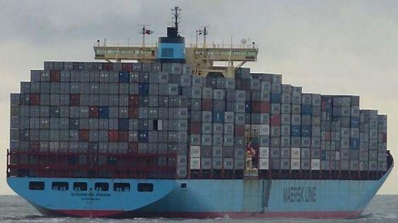 Høydehus: Svendborg Maersk fikk økt kapasitet fra litt over 5000 TEU til i overkant av 8100 TEU etter ombygging i 2012. Skipsbroen ble hevet 8,4 meter for å se over tre nye høyder med containere.