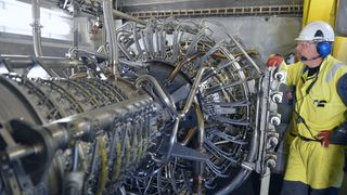 1000 tonn tung kompressor skal gi olje for milliarder på Kvitebjørn