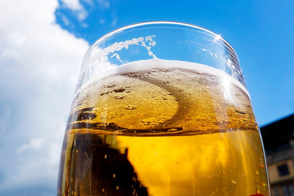 Rørledningen i Belgia skal kunne frakte 6000 liter øl i timen.