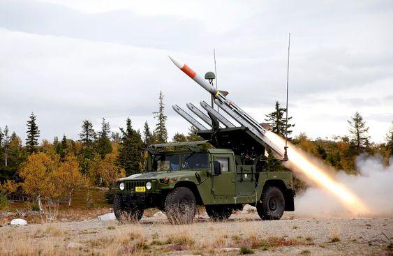 Den første skarpkytingen med Nasams High Mobility Launcher fra Vidsel Test Range i Sverige. Missilet er av typen Amraam.