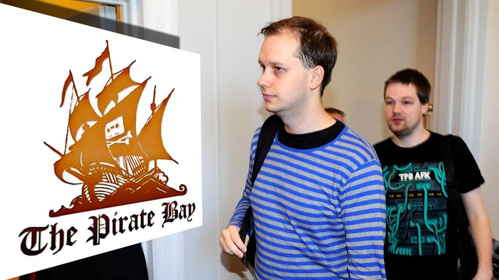 Peter Sunde, en av grunnleggerne bak fildelingsnettstedet The Pirate Bay, reagerer på måten han skal ha blitt behandlet på i fengselet. Her fra ankesaken i Stockholm i 2010.