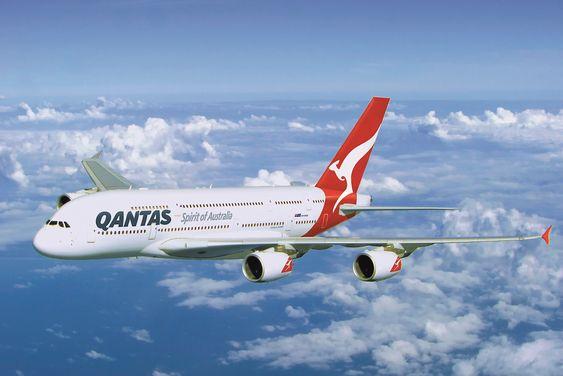 Qantas har i dag tolv A380 i produksjon og venter på ytterligere åtte fly de har bestilt fra Airbus. Flyene benyttes på enkelte flygninger fra Sydney og Melbourne til Los Angeles, Hong Kong, Dubai, London og Dallas.