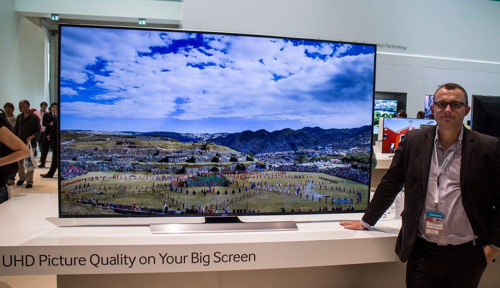 Til de store stuene: Produktsjef for TV i Samsung Knut Erik Rørnes tror 85 tommeren kommer til å appellere til mange når den nå snart kommer på markedet