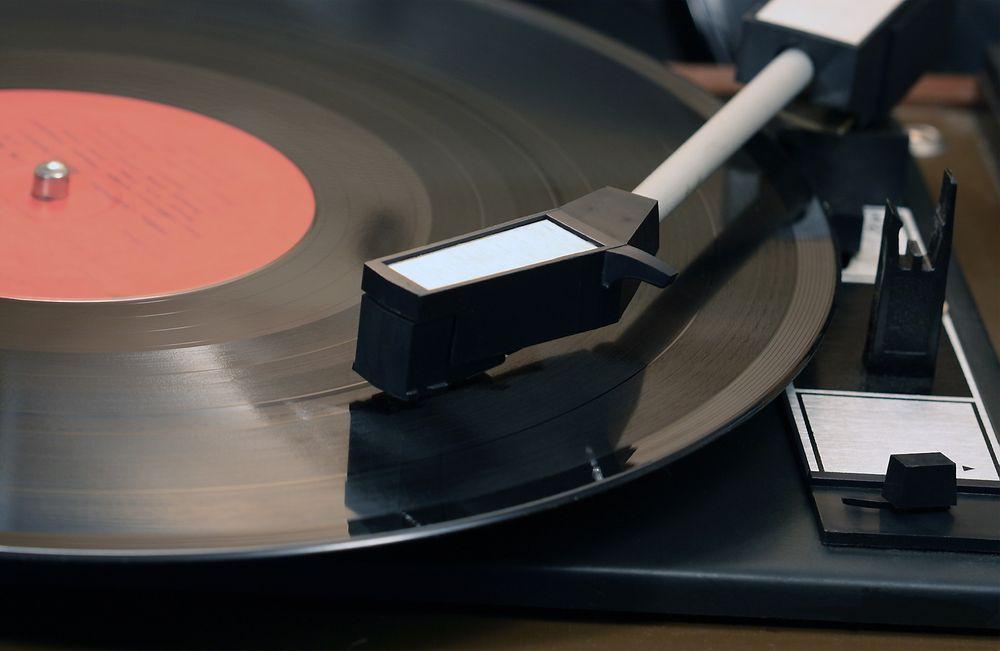 Strømming står i dag for 70 prosent av lytting. CD-en faller, men LP-en opplever en renessanse.