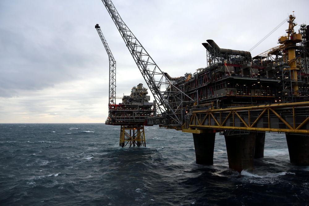 På 80-tallet var planen å utvinne olje fra Oseberg frem til 2017. På grunn av økt utvinningsgrad er reservebasen til Oseberg nær tredoblet og planen er nå å holde feltet i gang til 2040.