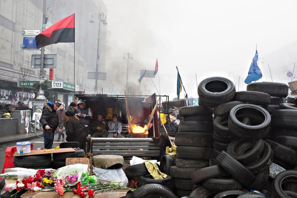 Norske selskaper i Kiev har roligere dager etter maktskiftet, men situasjonen i Ukraina er spent etter russernes inntog på Krim. Og Maidan-plassen i sentrum av Kiev er fortsatt okkupert av frivillige som vedlikeholder barrikadene.