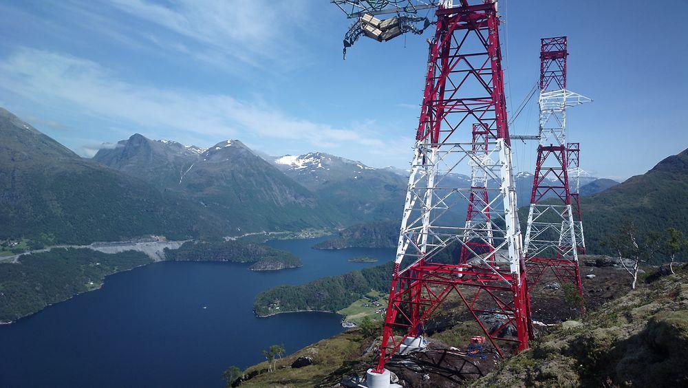 Energi Norge tviler sterkt på om den foreslåtte merkeforskriften vil bidra til å bedre den totale ulykkesstatistikken og om de tiltakene som foreslås vil være riktig bruk av fellesskapets midler.
