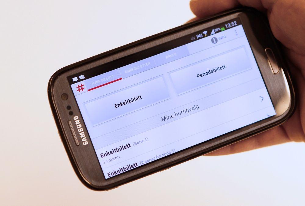 Omsetningen hos Ruter viser at folk foretrekker å ha billetten i mobilen.