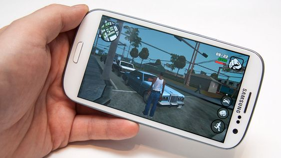 Selv om maskinvaren ikke er siste og nyeste, klarer vi fint å spille nye og tyngre spill på Galaxy S3.