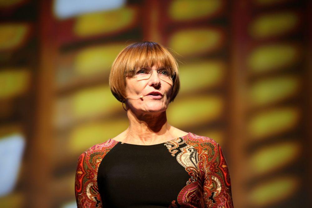 MER NYANSERT DEBATT: Gro Brækken i Norsk olje og gass sier hun er enig i at nye prosjekter skal vurderes med tanke på elektrifisering, men at svaret ikke skal være gitt på forhånd. Foto: Peder Qvale