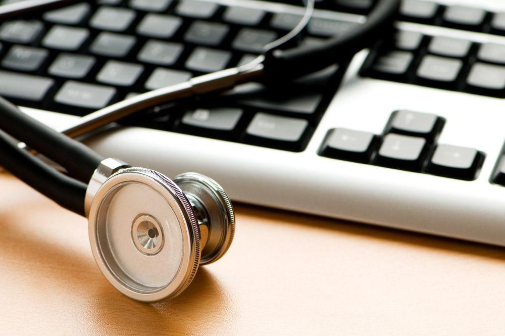 De siste par dagene har det blitt offentliggjort to rapporter som viser tydelige svakheter i innføringen av digitale løsninger i helse- og omsorgssektoren.