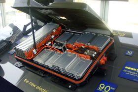 Batteriet må designes for høyere ladeeffekt om det skal tåle rask opplading.