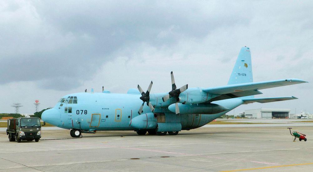 Også Japan sender nå bidrag til søket etter det savnede Malaysia Airlines-flyet. Dette C-130 Hercules transportflyet er på vei sammen med tre P-3 Orion overvåkingsfly.
