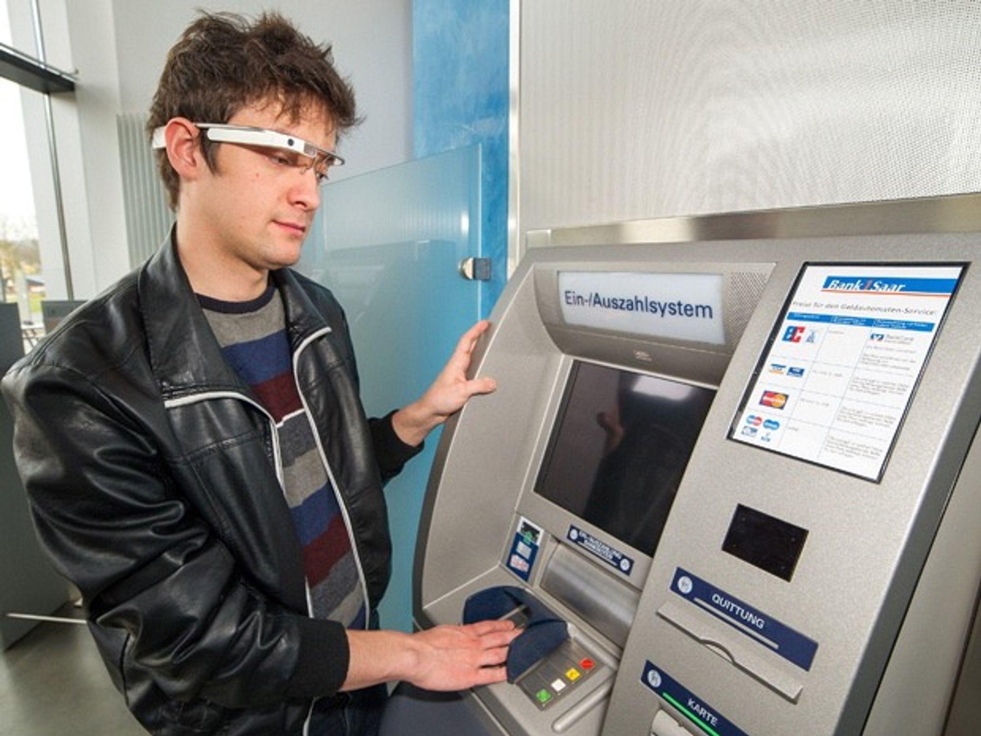 Google-briller skal bidra med en kryptering som vil være vanskelig for skimming-industrien å knekke.