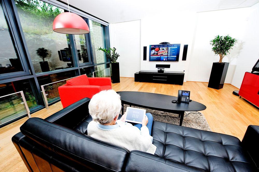 Komfort: Med Gateway-en Lyse installerer kan eldre og andre med behov bo lengre hjemme, eller kjøpe alarm- eller varmepakke og for eksempel styre strømforbruket etter Nordpools nettpriser.